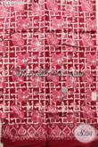 Kain Batik Modern Warna Merah Motif Bunga, Batik Solo Halus Bahan Aneka Busana Wanita Yang Menunjang Penampilan Makin Cantik Dan Anggun [K3452C-200x110cm]