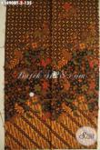 Kain Batik Bahan Baju Formal, Batik Solo Halus Cocok Untuk Kemeja Lengan Panjang Nan Berkelas Tampil Gagah Berwibawa [K3490BT-240x110cm]