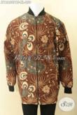 Jaket Batik Pria Model Bomber Kwalitas Bagus Bahan Halus Daleman Full Furing Dormeuil, Hadir Untuk Penampilan Lebih Gagah Dan Berkelas [JT12650PBF-XL]