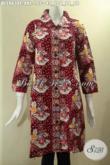 Busana Batik Wanita Masa Kini Kwalitas Istimewa, Hadir Dengan Motif Trendy Warna Merah Model Krah, Blouse Batik Jumbo Kancing Depan Lengan 7/8, Bisa Untuk Santai Dan Resmi [BLS9634C-XXL]