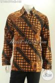 Busana Batik Motif Klasik Spesial Untuk Pria Kantoran, Kemeja Lengan Panjang Istimewa Yang Membuat Penampilan Lebih Gagah Dan Berkelas Hanya Dengan 148K [LP13247PB-XL]
