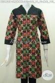 Baju Batik Blus Bagus Bahan Halus Motif Trendy, Pakaian Batik Printing Solo Desain Istimewa Kombinasi Paduan Kain Embos Untuk Penampilan Lebih Mempesona [BLS4408P-M]