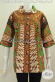 Sedia Batik Blus Istimewa Berbahan Halus Model Kerah Flui Bulat Dengan Motif Klasik Sinaran Proses Printing Tampil Gaya Dan Elegan [BLS5233P-L]