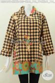 Baju Blus Kerah Kotak Bahan Batik Printing Halus Motif Bagus, Busana Batik Kekinian Buat Wanita Tampil Lebih Modis Dan Gaya [BLS5499P-XXL]
