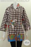 Sedia Pakaian Batik Istimewa, Baju Batik Atasan Masa Kini Bahan Adem Proses Printing Kwalitas Bagus Model Kerah Kotak Harga 125K [BLS5500P-L]