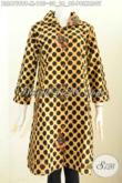 Pakaian Batik Atasan Wanita Untuk Kerja, Blus Batik Solo Masa Kini Model Terbaru Motif Polkadot Proses Kombinasi Tulis Harga 190 Ribuan [BLS6759BT-M]