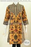Model Baju Batik Atassan Wanita 2020, Blus Keren Dan Elegan Desain Istimewa Dengan Resleting Depan Berpadu Motif Slarak Proses Printing Harga 198K [BLS6982P-M]
