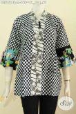Produk Baju Batik Solo, Busana Batik Jawa Keren Kwalitas Istimewa, Blus Kenzi Modis Kancing Banyak Harga 160K Proses Cap [BLS7564C-M]