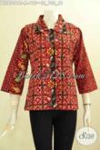 Model Baju Batik Wanita Paling Baru, Blus Batik Krah Lancip Yang Banyak Di Cari, Hadir Dengan Warna Merah Dan Motif Bagus Proses Cap Tulis Harga 190K [BLS8098CT-M]