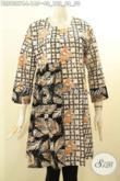 Model Baju Batik Wanita Kerja Terkini, Blouse Batik Solo Lengan Panjang Motif Bagus Di Lengkapi Resleting Belakang Lebih Kekinian [BLS9087C-L]