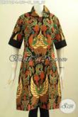 Model Baju Batik Solo Terkini, Busana Batik Solo Proses Printing Motif Berkelas Dengan Krah Bulat Di Lengkapi Plisir Polos, Tampil Terlihat Beda [DR8112P-L]