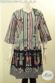 Koleksi Terbaru Baju Dress Batik Trendy Motif Keren Untuk Penampilan Modis Dan Cantik, Pakaian Batik Solo Lengan 3/4 Kancing Depan Tanpa Kerah, Cocok Banget Untuk Pesta Atau Jalan-Jalan [DR8998P-L]