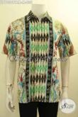 Model Baju Batik Pria Muda Keren Dan Modis, Kemeja Batik Solo Jawa Tengah Halus Lengan Pendek Motif Kekinian Tulis Remekan, Tampil Gaul Dan Gaya Hanya 200 Ribuan [LD10509TRM-M]